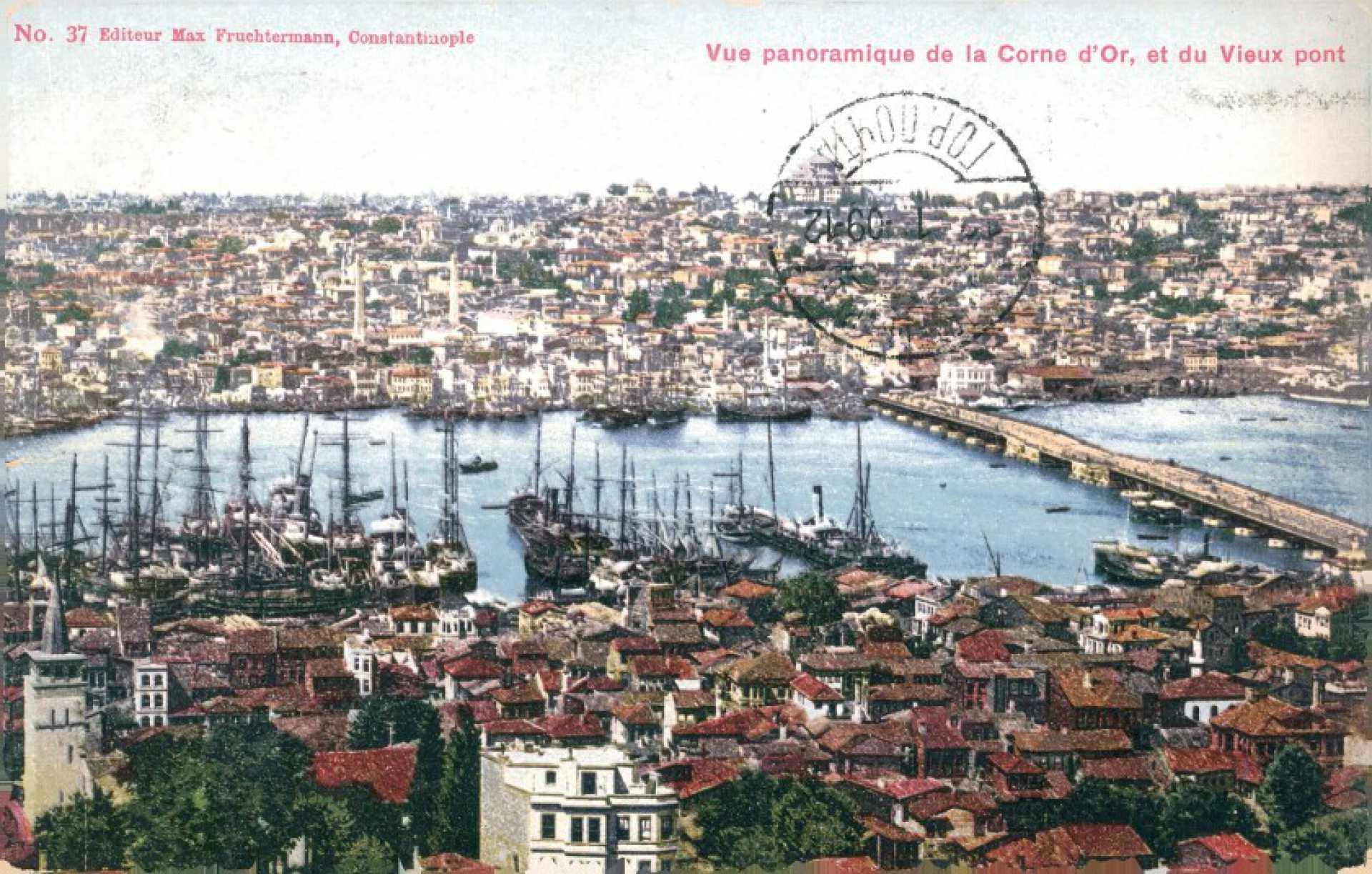 Vue panoramique de la Corne d'Or. et du Vieux pont