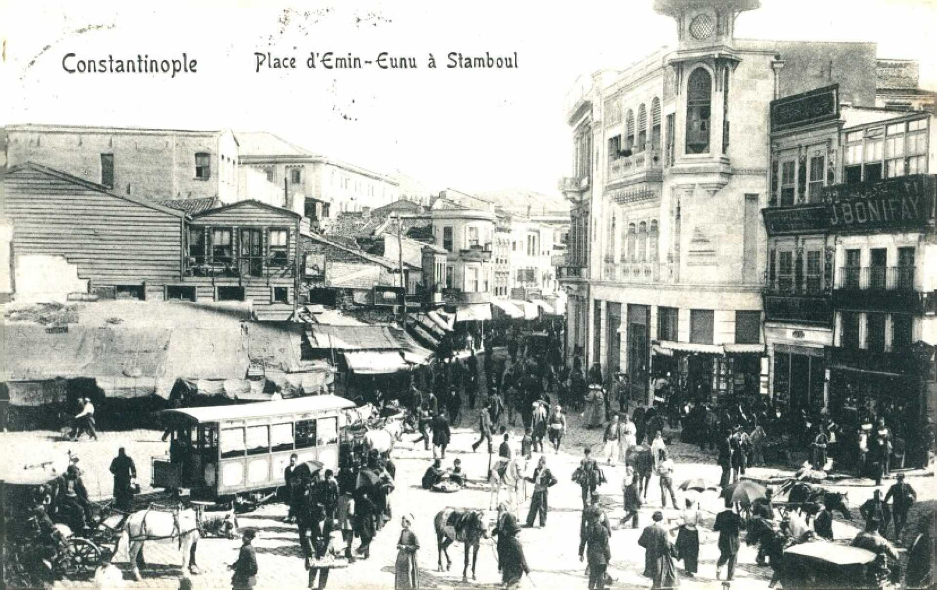 Place d'Emin- Eunu a Stamboul