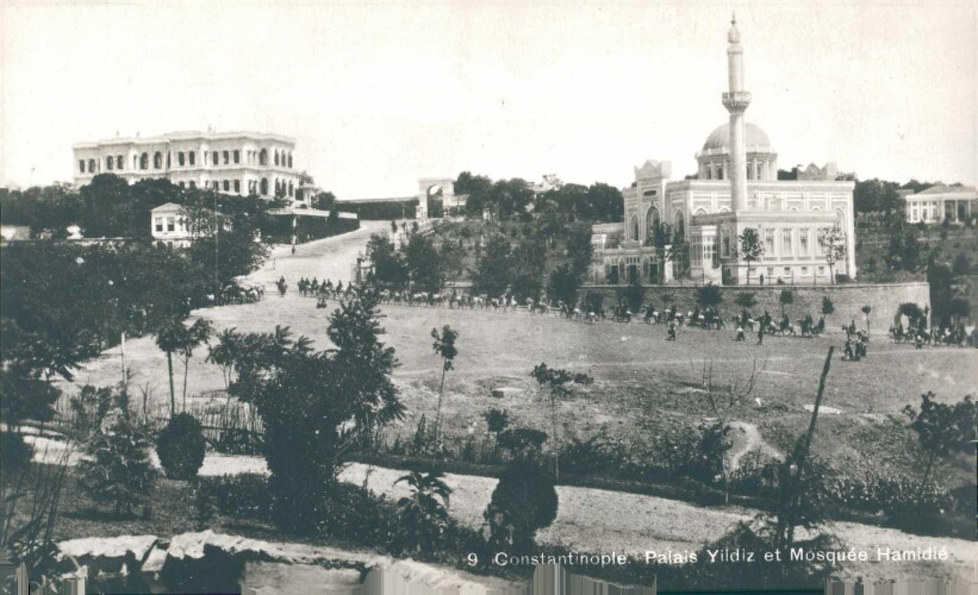 Constantinople. Palais Yildiz et Mosquee Hamidie