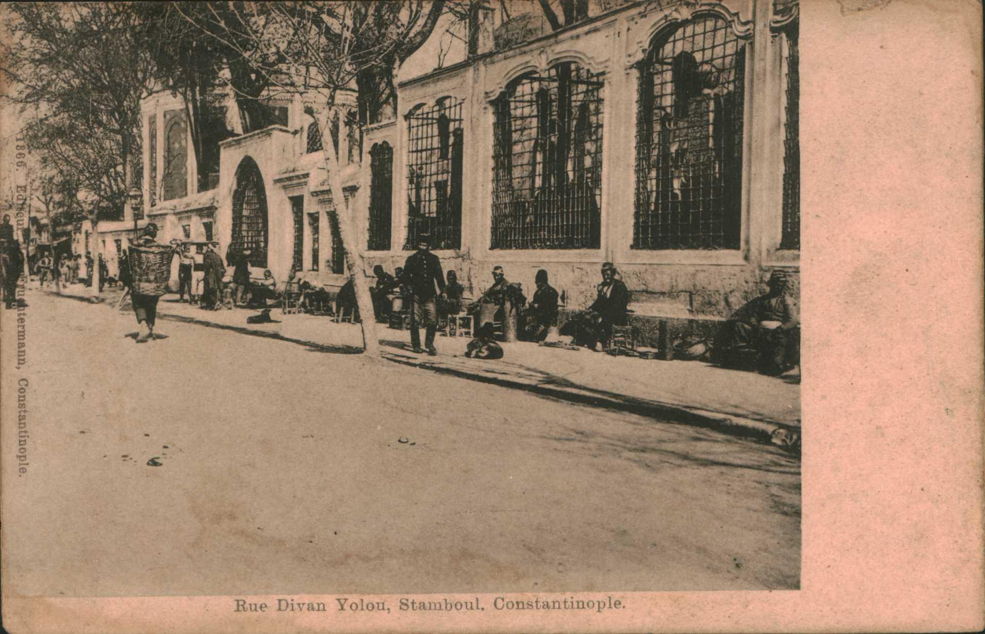 Rue Divan Yolou. Stamboul.Constantinople