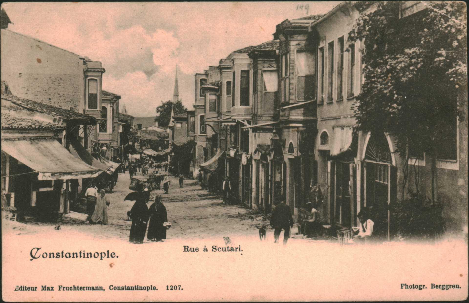 Constantinople- Rue a Scutari